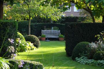 Bed and breakfast hulst zeeland de lieve hemel de lieve hemel een impressie - Ontwikkel een grote tuin ...